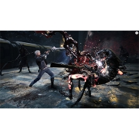 Cận chiến trong game Devil may cry 5
